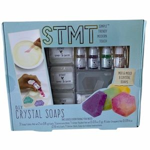 🎉Host Pick🎉D.I.Y. Crystal Soap Kit NWT